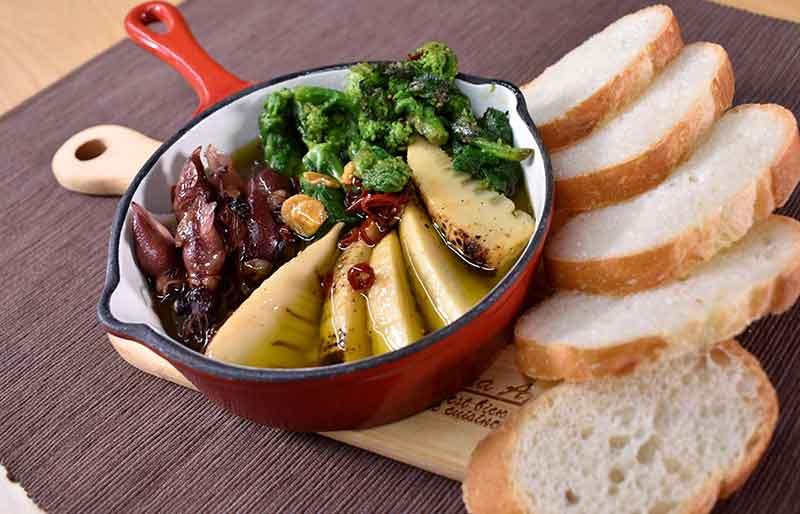 春野菜とホタルイカのアヒージョ