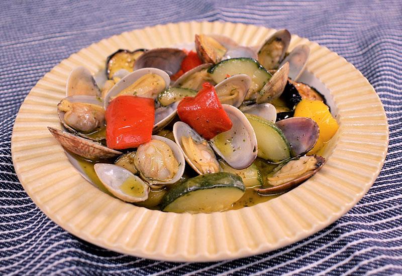 あさりとグリル野菜のバジルソース焼き