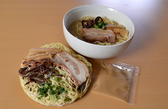 具付麺 博多風とんこつらーめんセット 1食